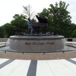 Ray_Charles_Memorial,_Riverfront_Park_full